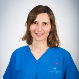 Clinician Anna Tauro from Fitzpatrick Referrals Orthopaedics and Neurology Hospital