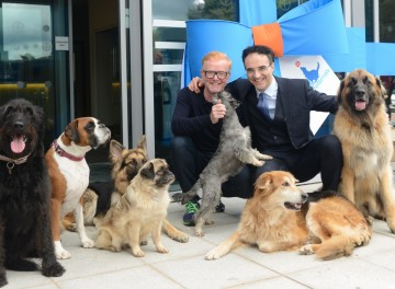 Professor Noel Fitzpatrick & Chris Evans 3 at the opening of Fitzpatrick Referrals Oncology and Soft Tissue Hospital