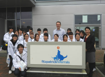 professor-nick-bacon-and-the-students-from-renaissance-academy-of-pet-world-outside-fitzpatrick-referrals-oncology-and-soft-tissue