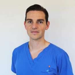Surgical Resident Eirik Kvale at Fitzpatrick Referrals