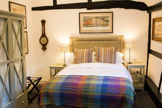 Bedroom at The Merry Harrier in Hambledon